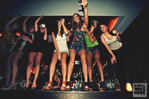 elite-daily-girls-dancing-on-table.jpg